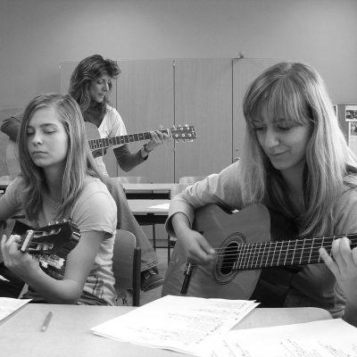 Seminar: Jugendsozial- und Musikarbeit im Spannungsfeld zwischen Vereinsarbeit und Ganztagsangebot der Schule